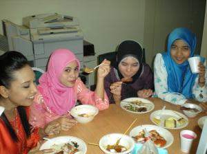 k.Nurul, Lily, Nida, me